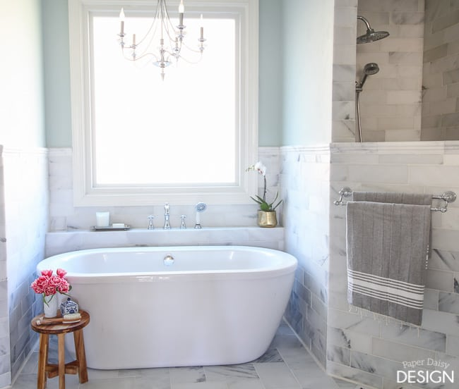 marble master bathroom/Paperdaisydesign.com
