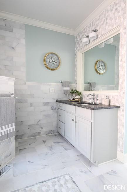 walk in shower/PaperDaisyDesign.com