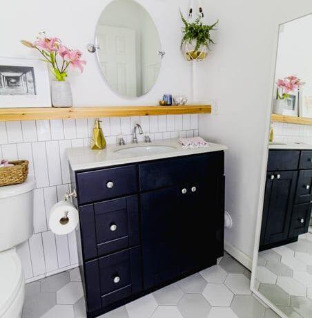 hexagon floor tile in bathroom