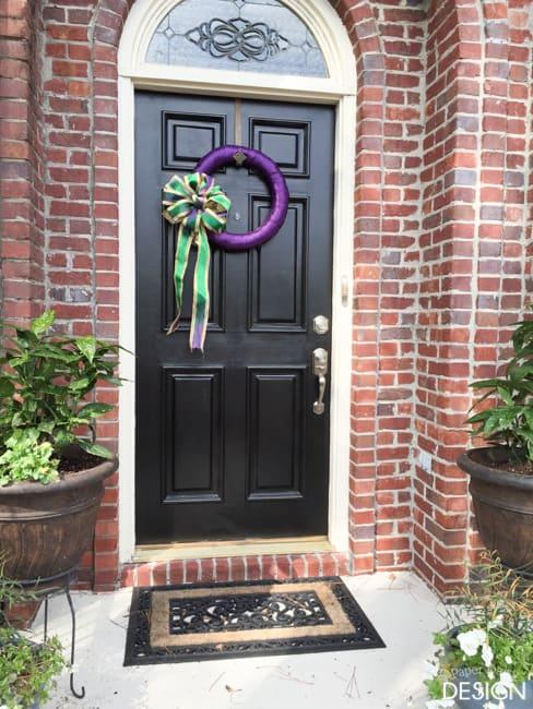 Mardi Gras Wreath/paperdaisydesign.com