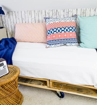 DIY Palette Day Beds in the Loft