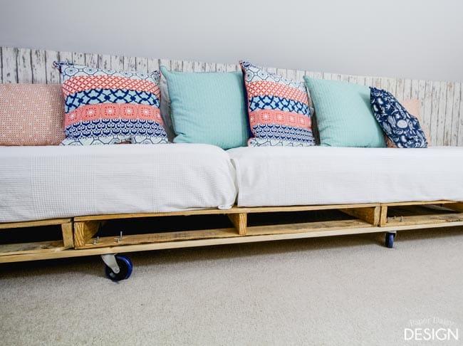 palette bed platform