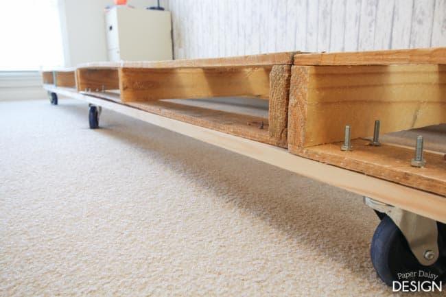 Palette bed on wheels