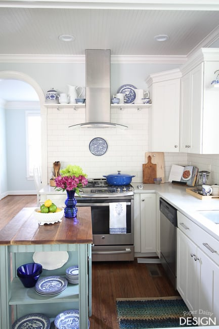 Blue and White Kitchen decor
