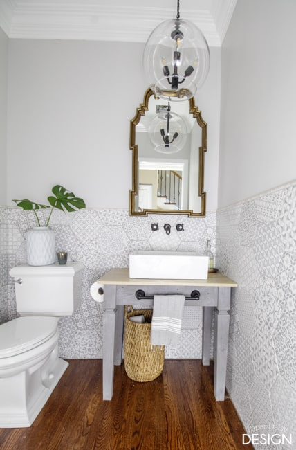 hexagon-tile-powder-room-3271