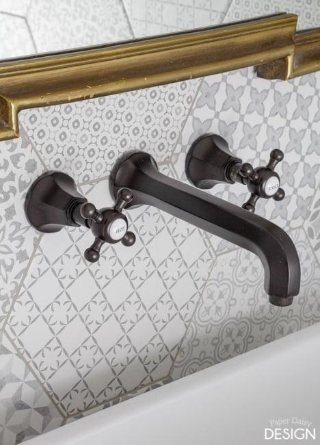 hexagon-tile-bathroom-3325