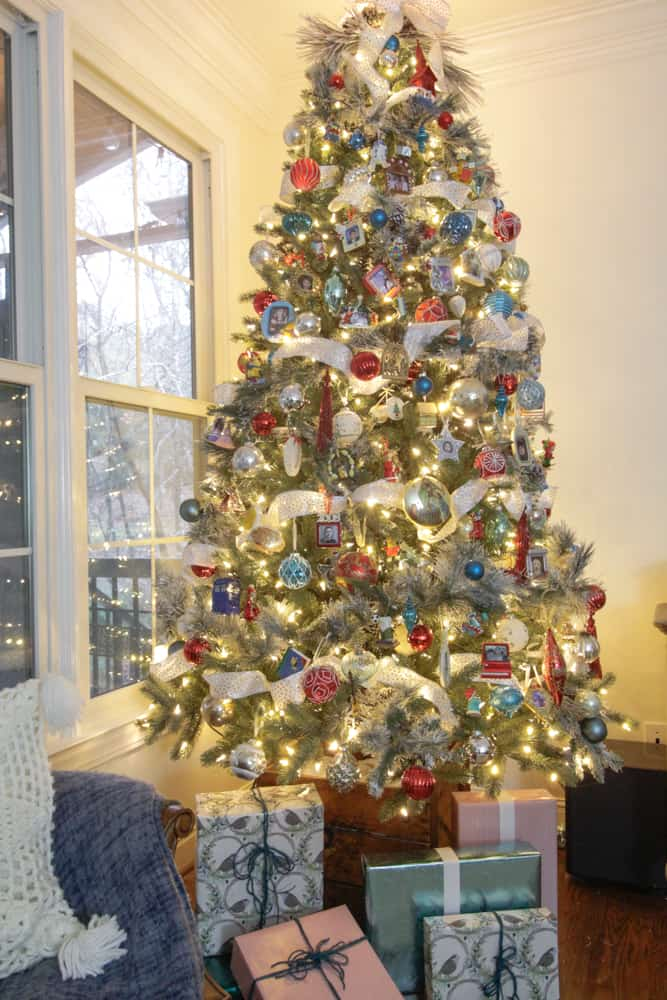 The reasons for wanting a flocked tree are more than just wanting to be on  trend. Nope, my mother almost always had a flocked tree when we were  growing up ...