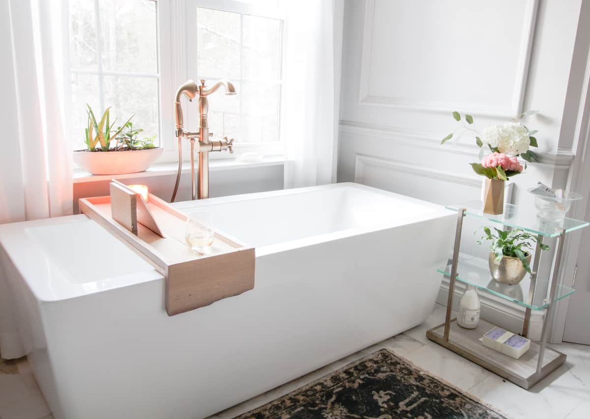 DIY Bathtub Tray with Reclaimed Wood - DeeplySouthernHome