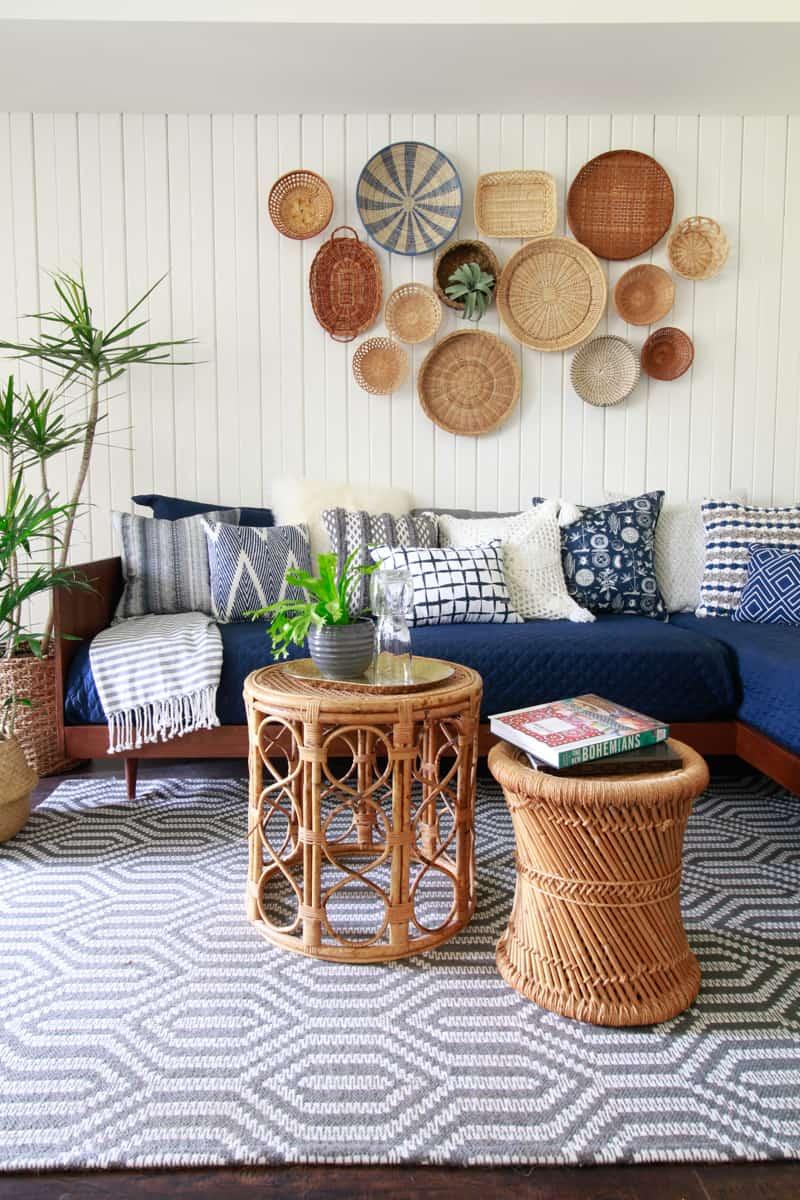 Diy Inspiration Daybeds: Plywood Mid-Century Modern Daybed-DIY · DeeplySouthernHome
