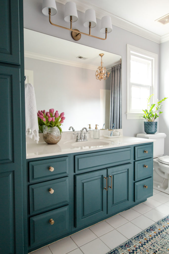 tutorial for painting cabinets in bathroom