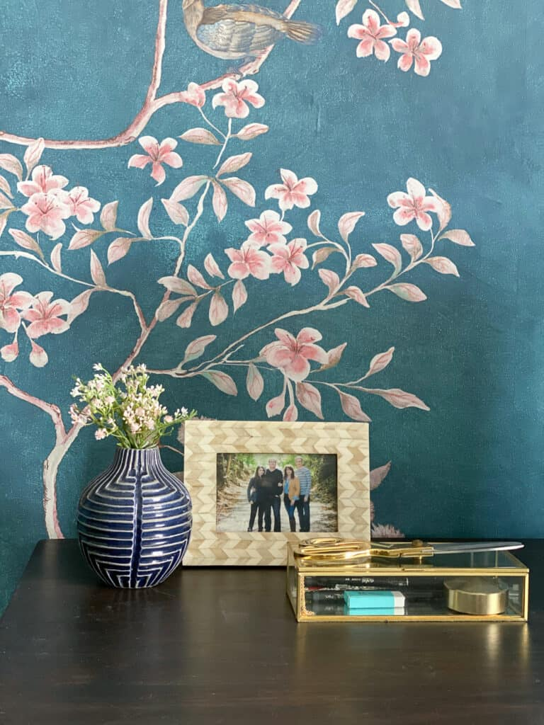 Chinoiserie mural in office Desktop